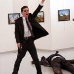 大賞はアンカラでのロシア大使殺害事件 「世界報道写真展 2017」